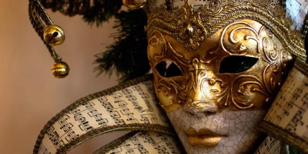 MegAperiKiller di Carnevale<br>La Maschera Assassina